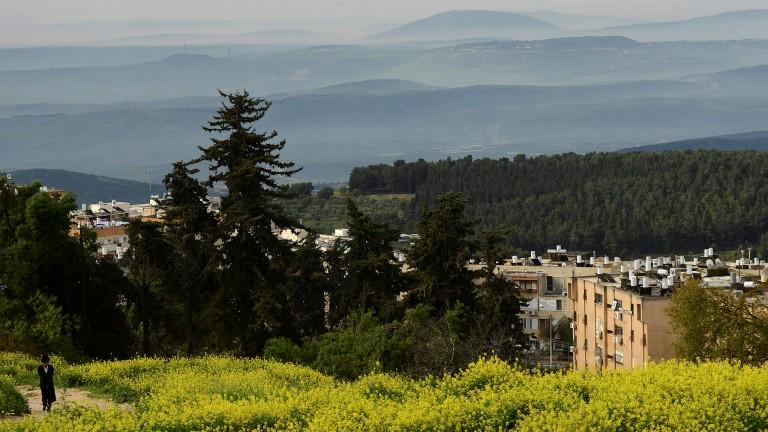 Vista parcial de Safed, con las colinas de Galilea al fondo. Foto de Mendy Hechtman/Flash90.