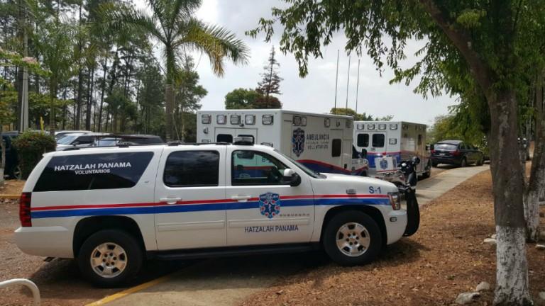 Vehículos de United Hatzalah de Panamá que participaron en el simulacro. Foto: Departamento del Portavoz de United Hatzalah.
