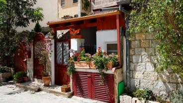 Escena de una fachada del barrio.  Foto de www.shutterstock.com.