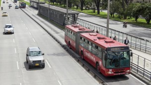 La firma israelí de Shikun & Binui construirá una carretera en las cercanías de Bogotá, que se sumará a las muchas que conectan a la capital. En la foto, una de las vías que une a los barrios y poblaciones del norte y sur de la urbe. Foto de Shutterstock.