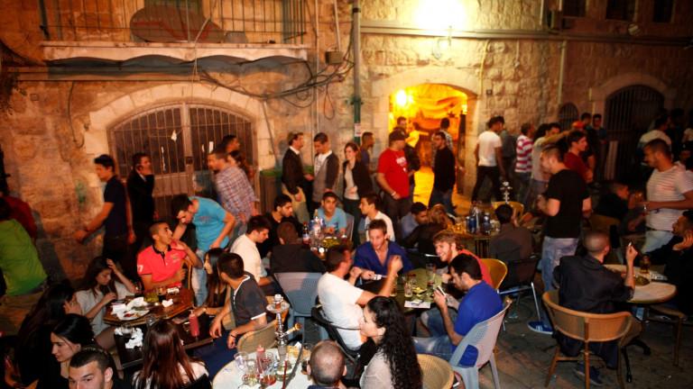 Vida nocturna en Jerusalén. Foto de Ariel Jerozolimski.