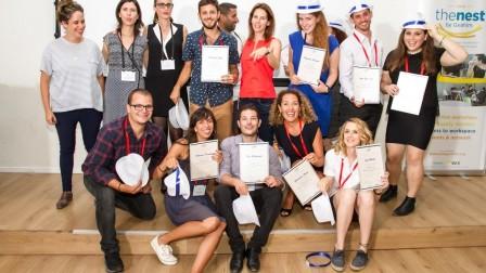 Los primeros graduados de TheNest. Foto de Debbie Zimelman.