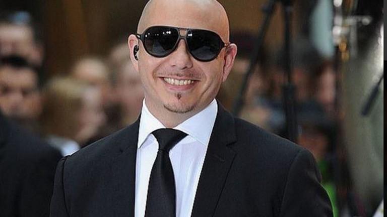 Pitbull. Foto vía Twitter.