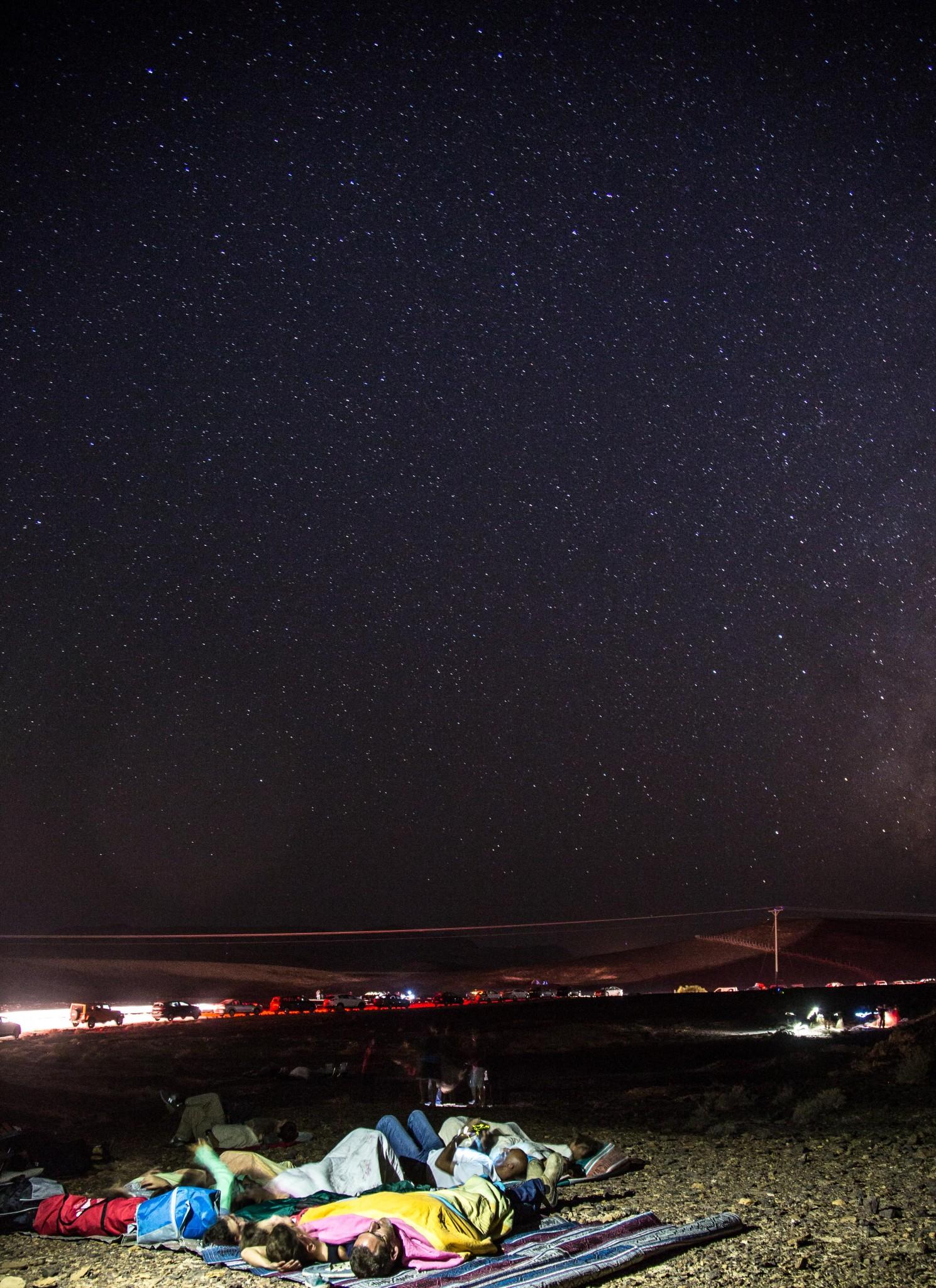 Noche de estrellas en el desierto del Negev, cerca del mirador de Mitzpe Ramon. Foto de Edi Israel/Flash90.