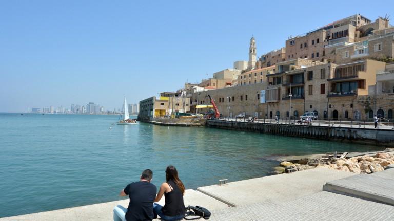 Inigualables vistas en el muelle del Puerto de Jaffa. Foto vía Shutterstock.com.